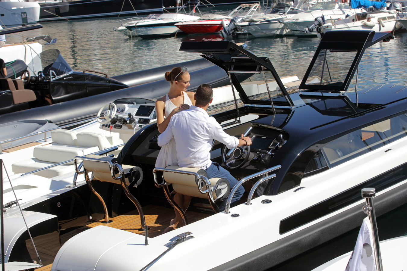 How to Find the Latest Toys & Tenders at the MYS 2017