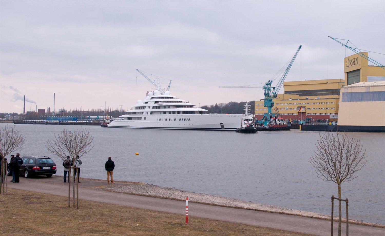 Lurssen Launch Azzam: The Largest Yacht in   | superyachts com