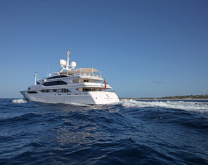 The Most Notable Yachts Of The 2015 Miami Boat Show