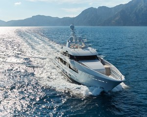 A Closer Look At The Feadship Superyacht Moon Sand