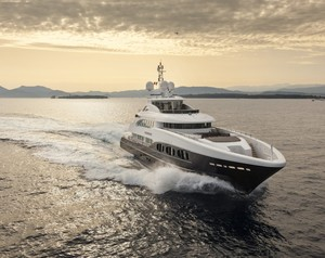 Charter Life On Board Sirocco with Titan Broker