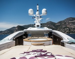A Stage of Paradise on Superyacht St. David