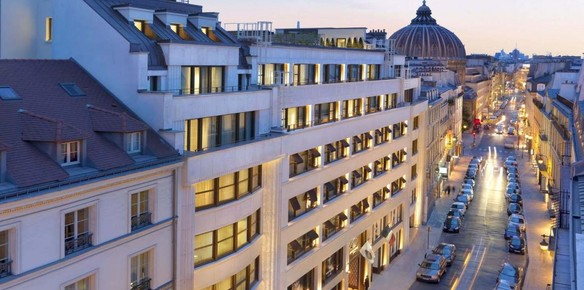 Mandarin Oriental Paris Offers V-day Package by Christian Louboutin