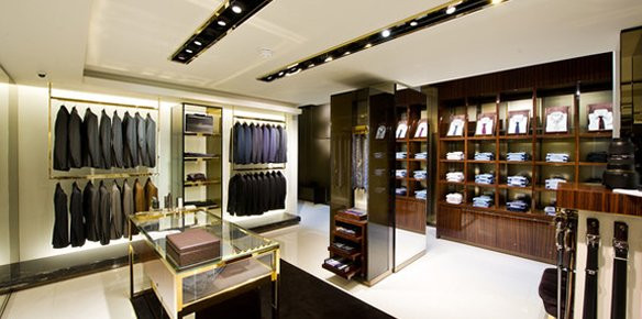 bc44fff8e81 Iconic Italian fashion house Gucci is to open its largest men s-only store  in the Italian city of Milan.