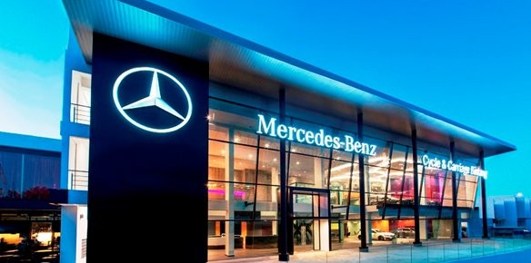 Mercedes benz opens city store in kuala for Mercedes benz store