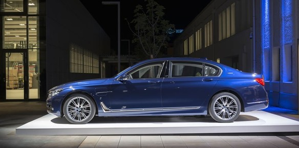 BMW Marks Years With Special Edition Superyachtscom - Bmw 100 series