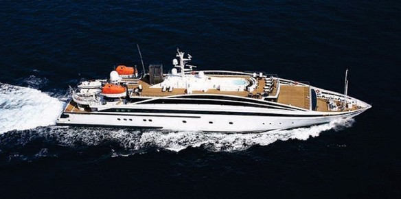 The spacious 72.4m superyacht RM Elegant