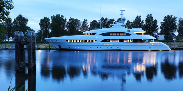 A Kinetic Classic: Superyacht Book Ends Delivered