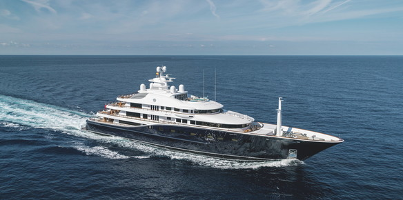 Aquila - The American Icon for Charter with Burgess