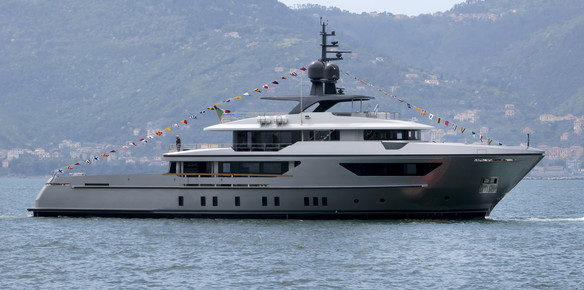 The fourth 460EXP hits the water in La Spezia