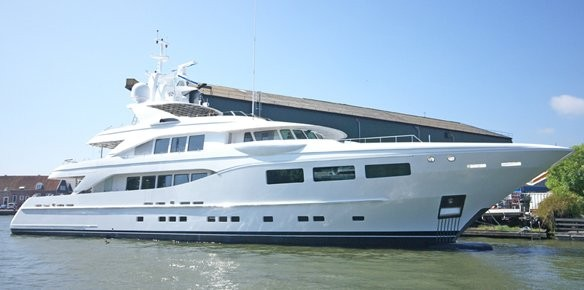 Motor yacht Pretty Woman