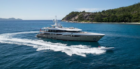 Charter Focus: Around the World on Lili