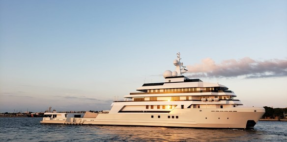 90m Voyager: First Fully-Integrated   | superyachts com