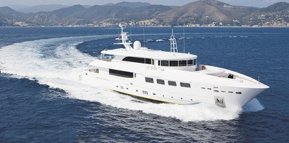 Merle Wood & Associates Sell Superyacht Villa Reis