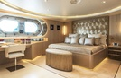 Light Holic Luxury Motor Yacht