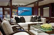 Cocktails Luxury Yacht Image 0