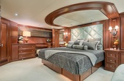 Decompression Luxury Yacht Image 6
