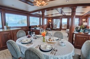 Decompression Luxury Yacht Image 17