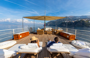 D.P. Monitor Luxury Yacht Image 4