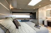 Horizon FD85 Luxury Yacht Image 17