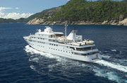 Lauren L Luxury Yacht Image 5