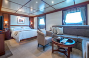 Lauren L Luxury Yacht Image 21