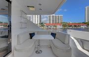Lexington Luxury Yacht Image 4