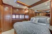Lexington Luxury Yacht Image 15