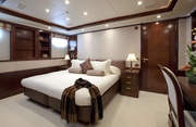 Noble House Luxury Yacht Image 7