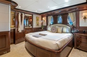 Sovereign Luxury Yacht Image 13