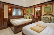 Sovereign Luxury Yacht Image 17