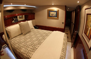 Sweetwater Luxury Yacht Image 9