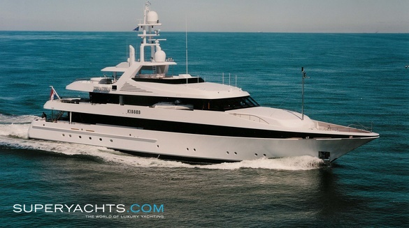 Luxury Motor Yacht Kisses by Feadship