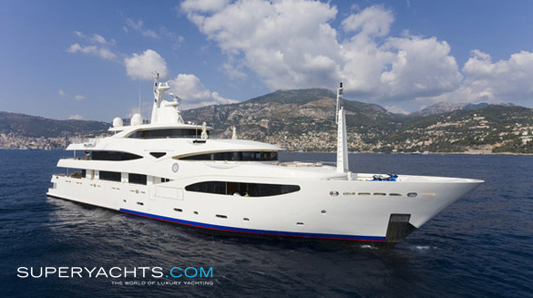 Luxury Motor Yacht Romance by CRN