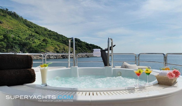 Oasis Charter Isa Motor Yacht Yacht