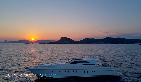 Oceans 5 Charter Dalla Pietta Motor Yacht
