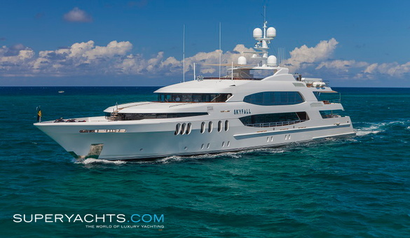 Skyfall yacht for sale trinity yachts motor for Luxury motor boats for sale