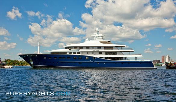 Aquila - Derecktor Motor Yacht | superyachts com