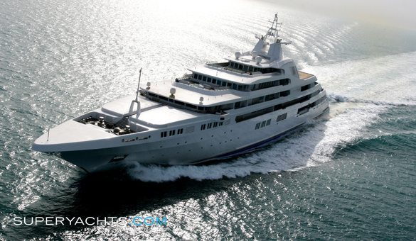 Dubai Luxury Motor Yacht by Platinum Yachts