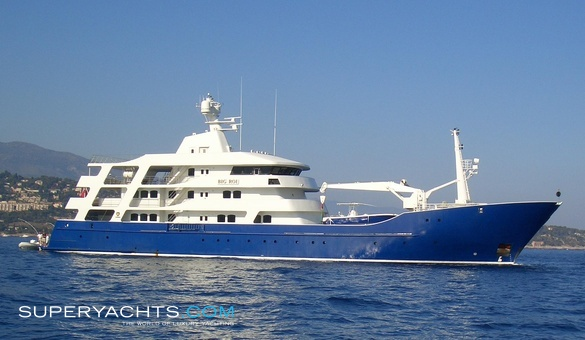Force Blue Luxury Motor Yacht by Royal Denship