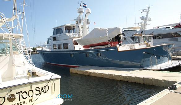 Minnow - Derecktor Motor Yacht | superyachts com