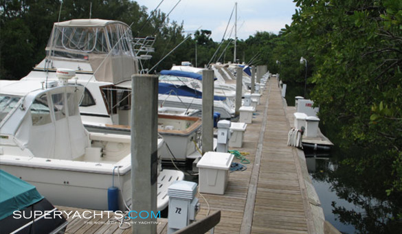 Williams Island Marina