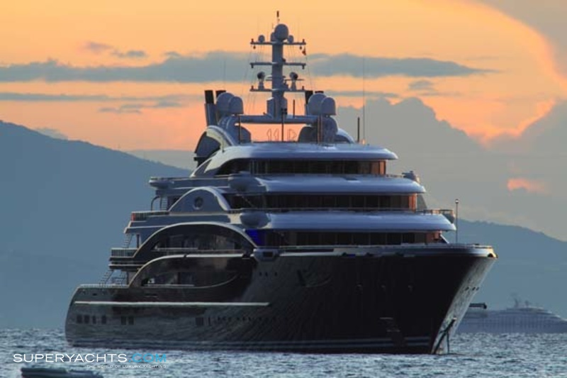 Yacht Crew Luxembourg: Serene Photos - Fincantieri Yachts Motor..